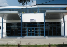 Usi culisante Aeroport International Targu Mures
