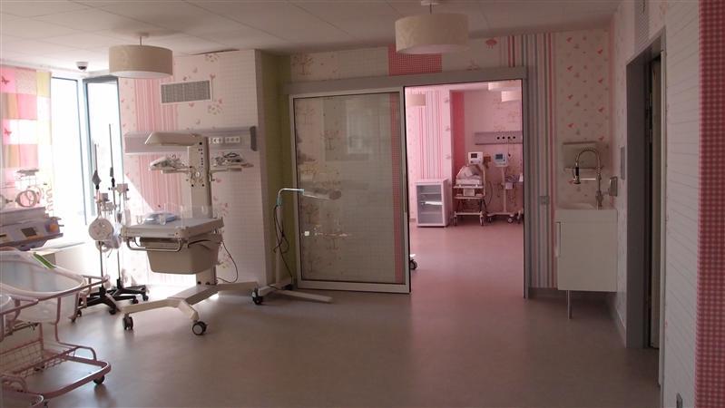 Maternitatea Regina Maria - usi sala de operatii