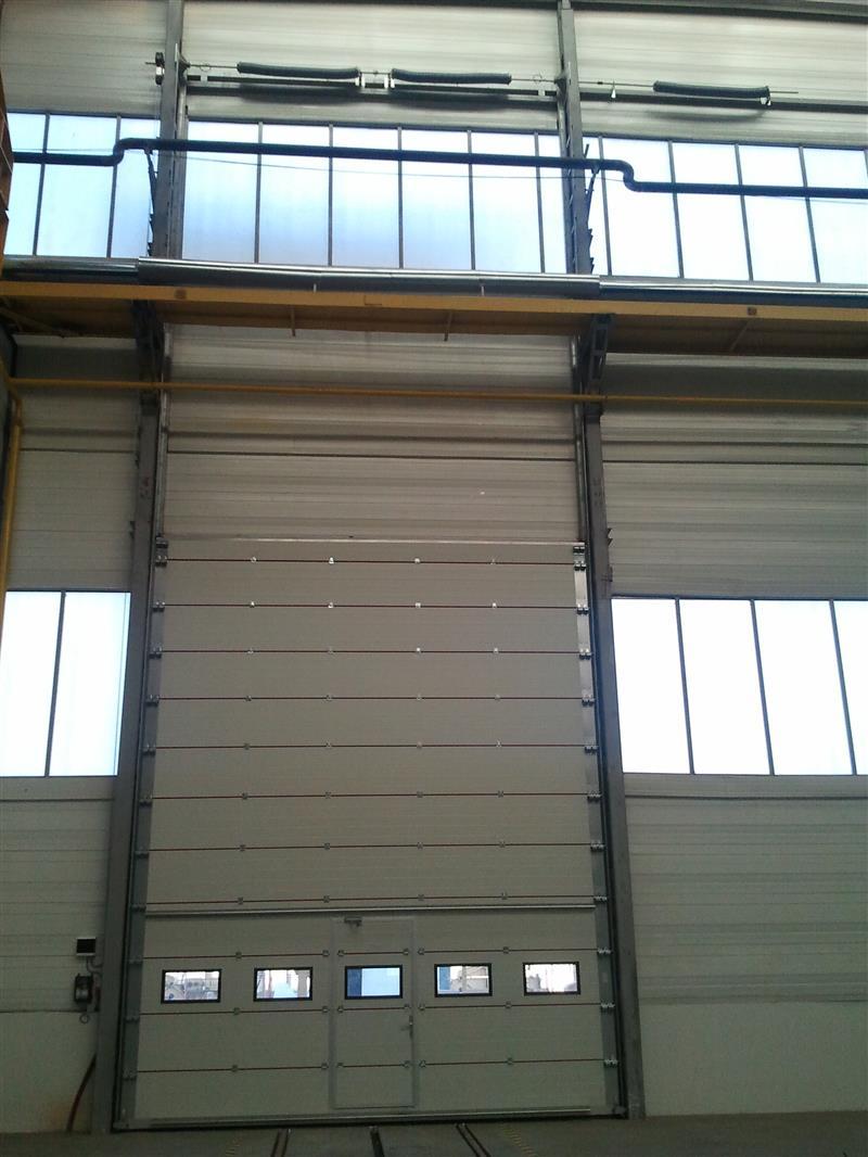 Usi industriale sectionale cu culisare verticala Fabrica Gormet Cluj