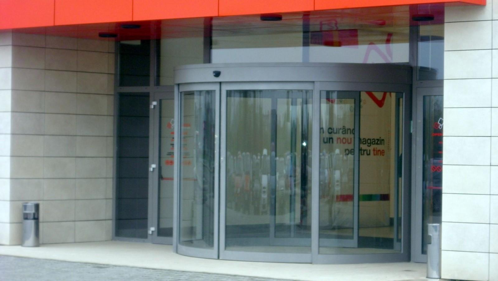Oradea Shopping City usi automate