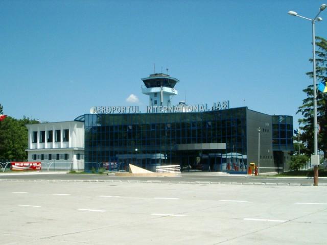Usi automate glisante Aeroport International Iasi.