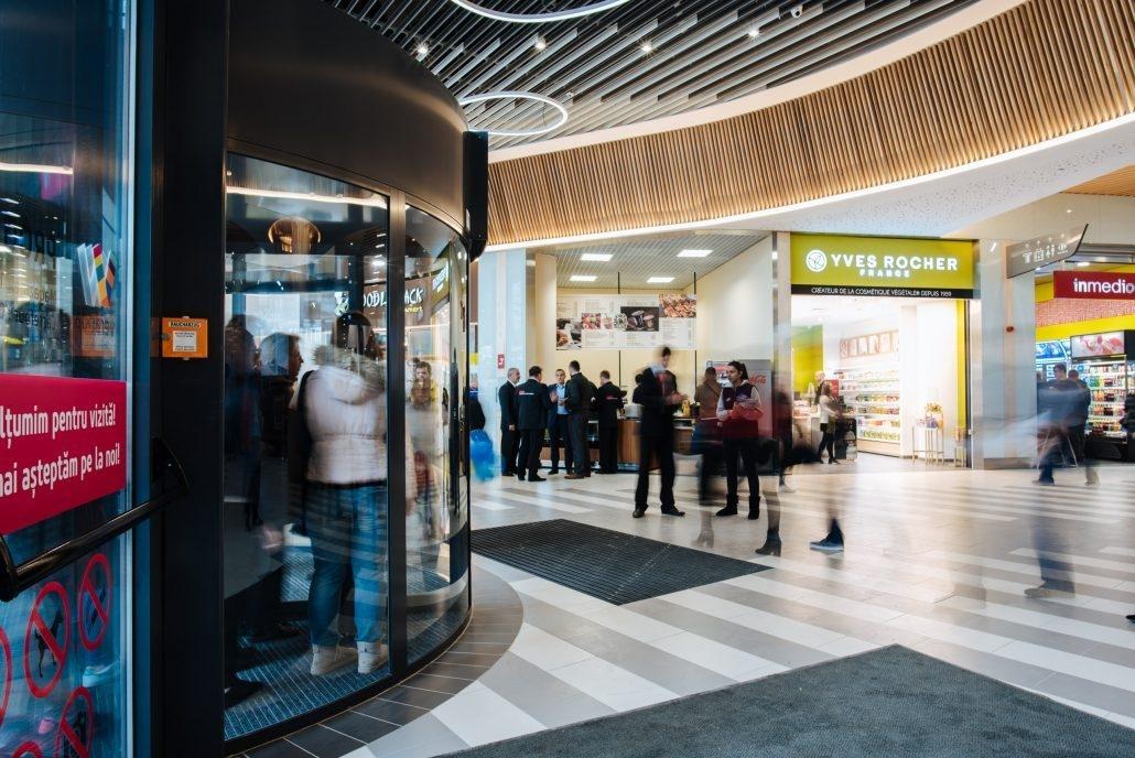 Veranda-Mall, usi rotative