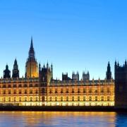 Big Ben si Cladirea Parlamentului - Sursa - touristicattractions.com