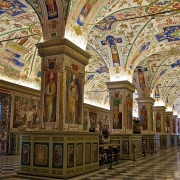 Libraria Vaticanului - Sursa - ItalyGuides.it - O luna de vacanta
