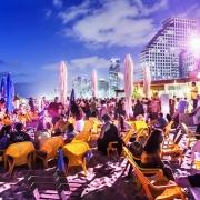 Petrecere pe Plaja Tel Aviv - Sursa - lonelyplanet.com - O luna de vacanta