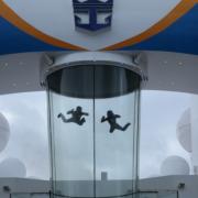 Skidiving interior - Sursa - Foxnews.com - O luna de vacanta