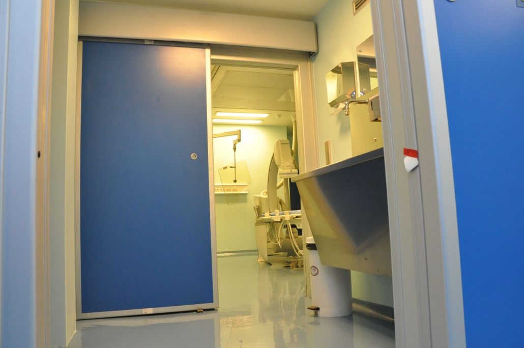 Uși de spital semiermetice automate, usa radiologie, usi glisante automate